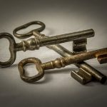 המדריך השלם למנעולים חבויים – מפתח 0