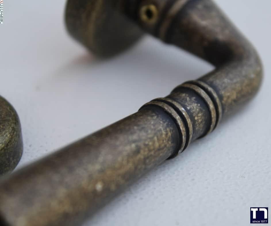 ידיות לדלתות אלומיניום ברזל